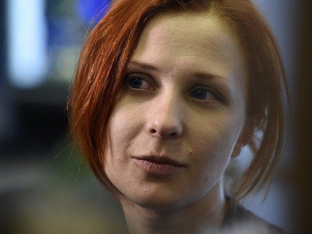 Marija Aljochinová z feministické punk rockové protestní skupiny Pussy Riot.