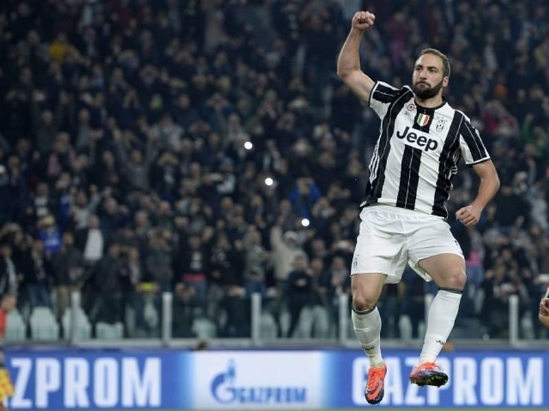Gonzalo Higuain v dresu Juventusu.
