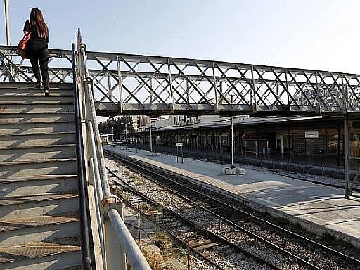 Prázdné nádraží v Aténách během 24-hodinové generální stávky