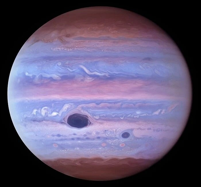 Jupiter v ultrafialovém světle