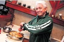 JIŘÍ KRAMPOL. Vaření má v krvi, jeho teta byla zámeckou kuchařkou.
