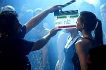 Natáčení filmu Případ nevěrné Kláry pokračovalo v pražském klubu Retro.