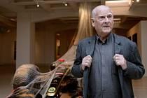 """Výtvarník Theodor Pištěk představil 25. září ve Veletržním paláci výstavu """"Theodor Pištěk ? Ecce Homo"""", která představuje všechny důležité etapy jeho díla."""