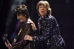 KAMENY V NEW YORKU. Britská rocková kapela Rolling Stones odehrála o víkendu v newyorském Brooklynu třetí z pěti koncertů k 50. výročí svého založení.