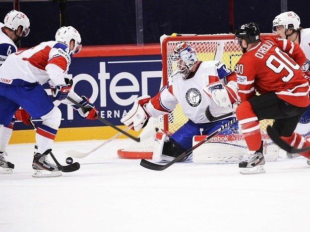 Kanaďan Stamkos střílí gól do sítě Norska.