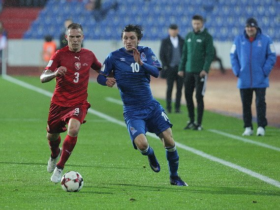 Lukáš Droppa (v červeném) a Ruslan Gurbanov z Ázerbájdžánu