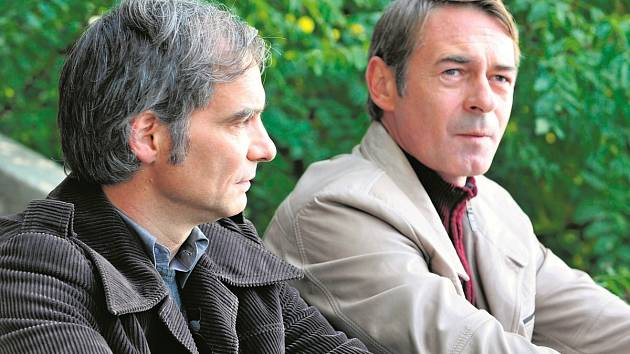 Předpremiéru tu měl televizní film Osmy Jiřího Stracha (na snímku Ivan Trojan s Jiřím Dvořákem).
