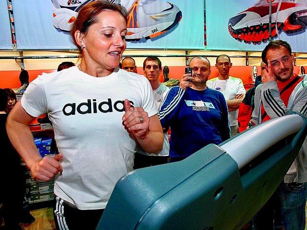 Podle mistryně světa i Evropy Ludmily Formanové jsou největším nepřítelem dnešních dětí drogy.