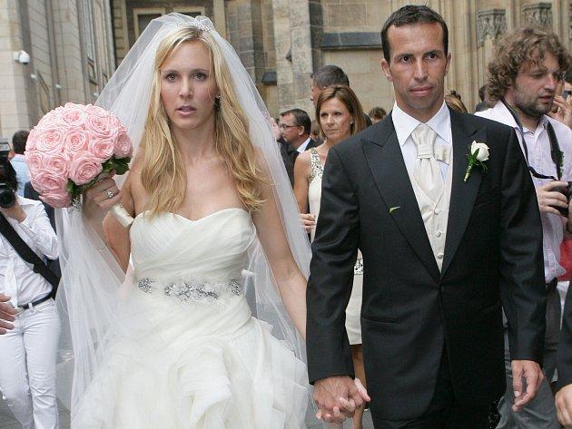 Snímek z léta roku 2010 a svatby Radka Štěpánka s Nicole Vaidišovou