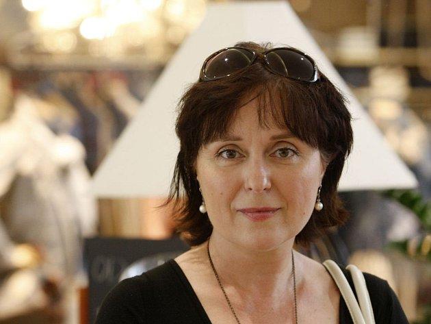 SCENÁRISTKA. Lucie Konášová zavede diváky v novém seriálu do obchodního domu.