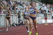 Atletický mítink Memoriál Josefa Odložila, 3. června 2019 v Praze. Česká běžkyně Zuzana Hejnová vítězí v závodu na 400 metrů překážek.