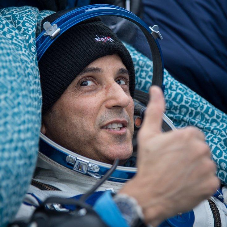 Přistání na základně v Bajkonuru. NASA kosmonaut Joe Acaba