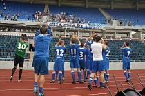 Fotbalisté Baníku se po utkání rozloučili se svými věrnými fanoušky.