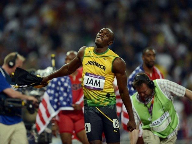 Usain Bolt po vítězství ve štafetě na 4x100 metrů.