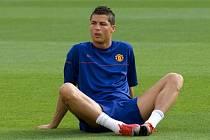 Kanonýr Manchesteru United Cristiano Ronaldo na tréninku anglického celku před finálovým duelem Ligy mistrů proti Barceloně.