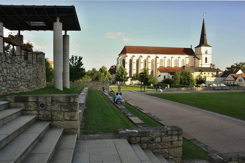 Kostel Povýšení svatého Kříže, Litomyšl.