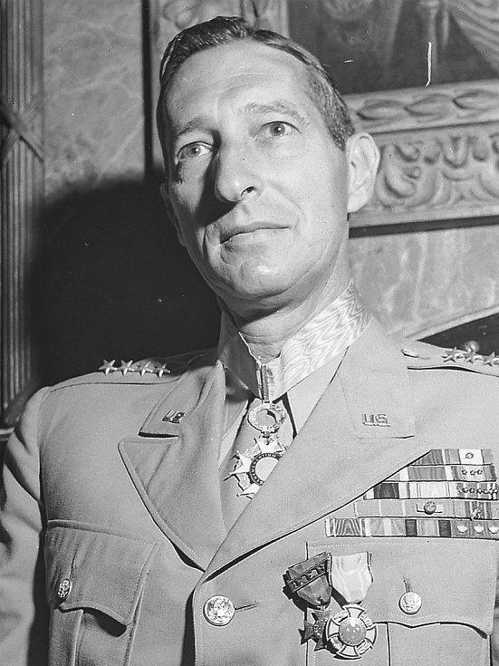 Generál Mark Wayne Clark