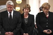 K uctění památky devíti obětí střelby z 22. července v Mnichově se dnes konala bohoslužba v kostele Panny Marie v bavorské metropoli.