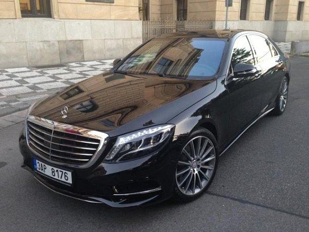 Odcizený luxusní vůz.