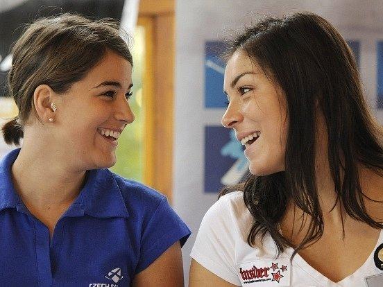 Andrea Zemanová (vlevo)