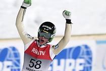 Slovinský skokan na lyžích Peter Prevc se raduje.