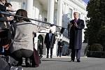 Americký prezident Donald Trump hovoří s novináři