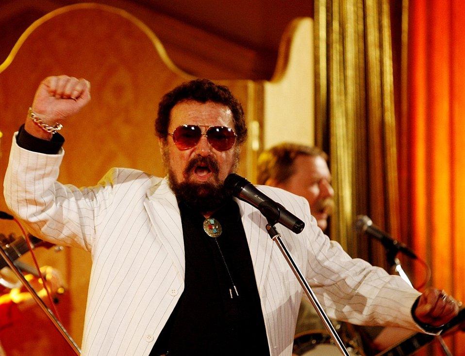 Na koncertě na Žofíně v roce 2007 byl Waldemar ještě v dobré formě.