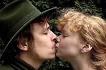 Tomáš Vorel dotočil Cestu do lesa, romantický příběh, který bude mít premiéru v říjnu.