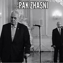 Zemanův odchod upravilo po svém víc memů