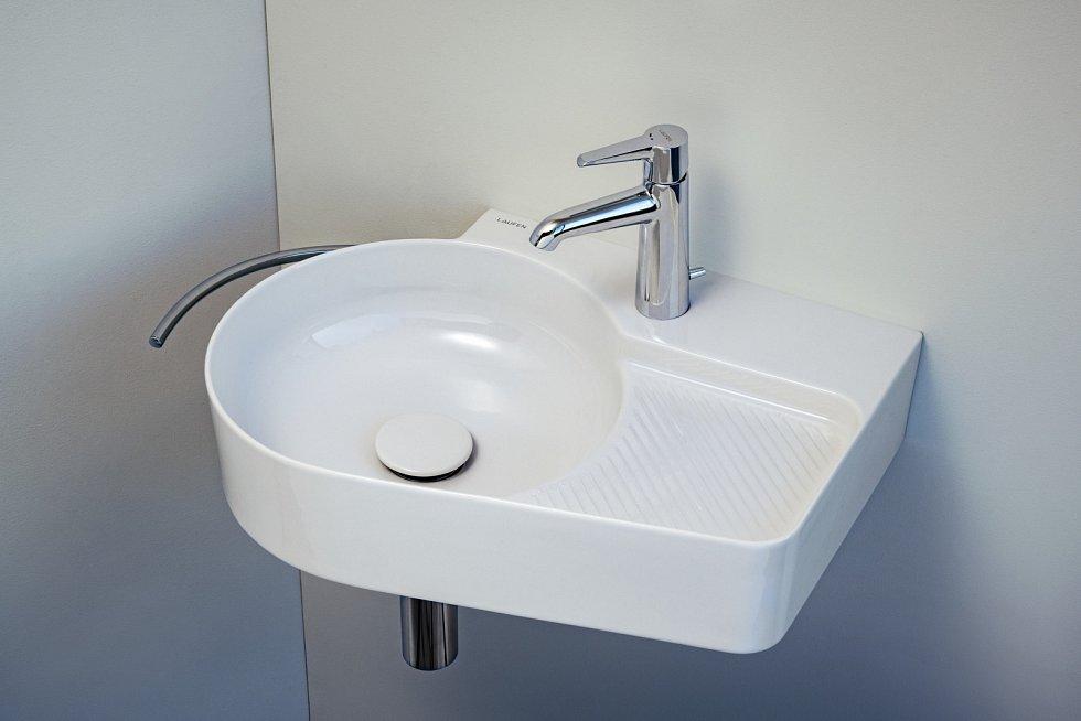 Umyvadlo se obvykle umisťuje 85 cm nad zem.