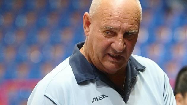 Trenér Jan Bobrovský má starosti. Žabiny v lize padly s vicemistryněmi.