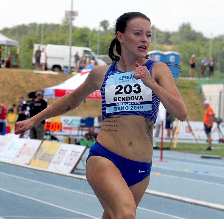 Atletka Nikola Bendová.