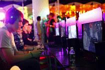Počítačové hry, hráči - ilustrační foto
