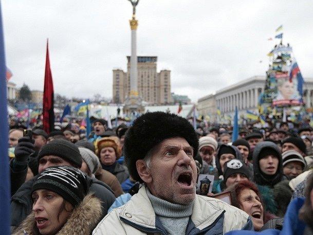 Protivládní demonstrace v centru Kyjeva.