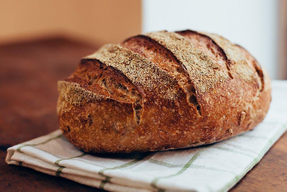 Domácí celozrnný chleba