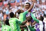 Argentina - Nigérie: Radost afrického týmu po porážce - postupuje