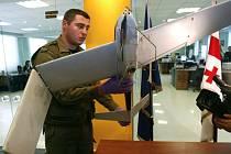 Zaměstnanec gruzínského ministerstva vnitra stojí za sestřeleným bezpilotním letounem, které podle Tbilisi patří Rusku.