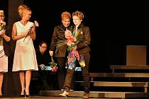 Módní návrhářka Ivana Follová s kyticí