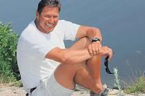 Michael Maier spojil svůj život s jachtingem. Vyrostl ale u Labe, vltavské břehy posloužily jen jako dekorace.