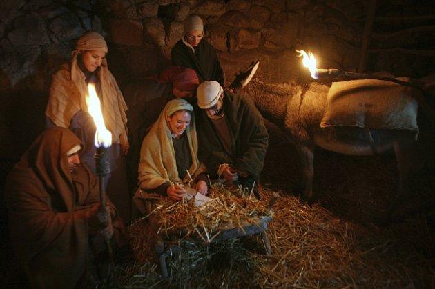 K tradičním vánočním oslavám v Nazaretu patřily živé obrazy Ježíšova zrození. Letos však žádné oslavy nebudou