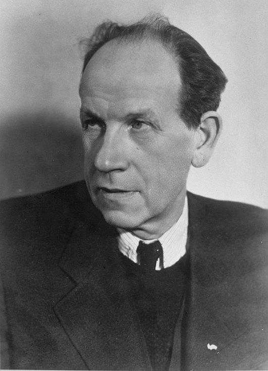 V době vzniku Komunistické strany Československa trávil radikál Antonín Zápotocký čas za mřížemi, přesto k němu nemálo přispěl