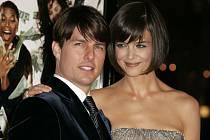 """Kniha """"Tom Cruise: neautorizovaný životopis"""""""