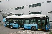 Prototyp městského autobusu s trojitě hybridním elektrickým pohonem a vodíkovými palivovými články TriHyBus