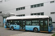 Ilustrační foto. Na snímku prototyp městského autobusu s trojitě hybridním elektrickým pohonem a vodíkovými palivovými články TriHyBus.