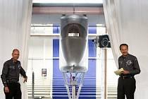 Bernard Piccard představil ve Švýcarsku první letadlo na elektřinu.