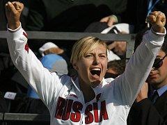 Maria Šarapovová se těší z postupu Ruska.