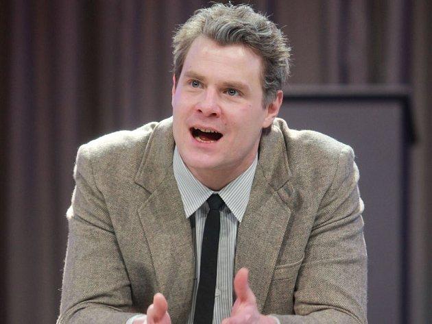 UŽ V ŠESTI LETECH VYHRÁL KONKURZ na dětskou roli v seriálu Moře začíná za vsí. Ondřeji Veselému však tehdy hraní nic neříkalo a byl smutný, že má zkažené prázdniny. Na snímku z Jihočeského divadla.