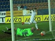 Slovácko - Teplice: Martin Slavík inkasoval gól z penalty