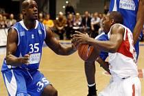 Basketbalisté Nymburka se střetli v Eurocupu s celkem Türk Telekom.