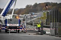 Opravovaný úsek dálnice D1 na mostě přes údolí Sázavy ve Hvězdonicích na Benešovsku na snímku z 10. listopadu 2020